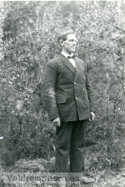 Portrett av Ingvar Kløverud fra Bagn