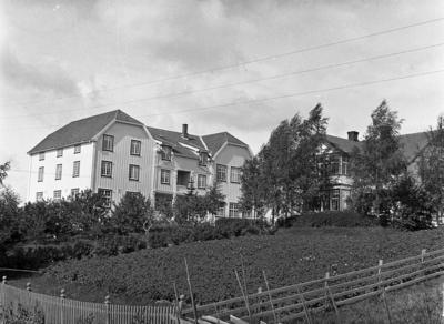 Totens Fylkesskole på Lena