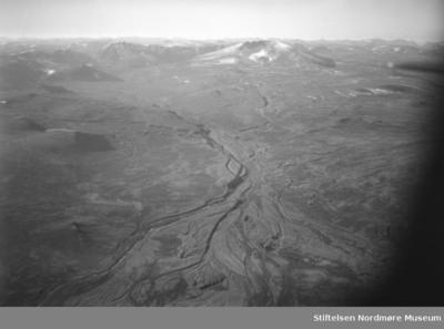 Flyfoto av fjellandskap