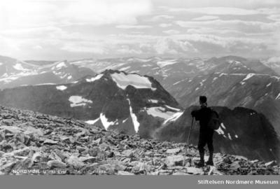 Postkort med utsikt over Sunndalsfjella som motiv
