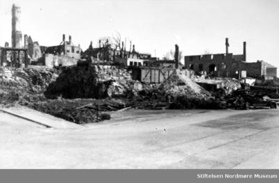 Krigen har her kommet til Storkaia ved Lysallmenningen på Kirkelandet i Kristiansund
