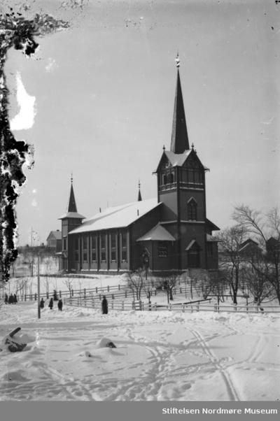 Kirkelandet kirke på Lyhshaugen