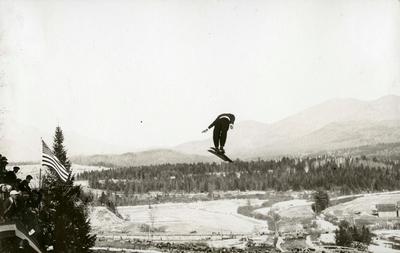 Birger Ruud hopper i Lake Placid