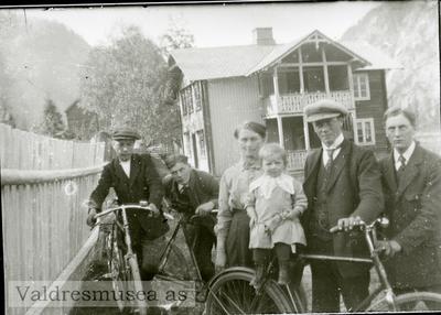 Ragna Koppervik sammen med sin datter