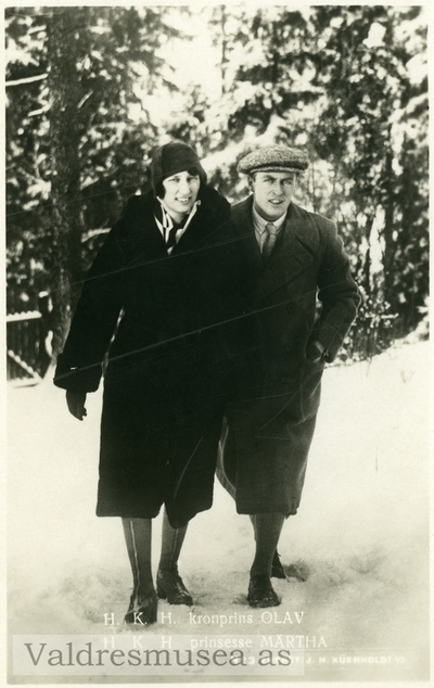 Prospektkort av Kronprinsparet Olav og Märtha