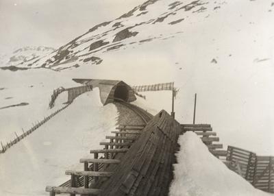 Bergensbanen nær Høgheller mellom Hallingskeid og Finse
