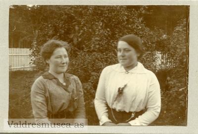 Portrett av Anna Lunde og Ingrid Langødegård