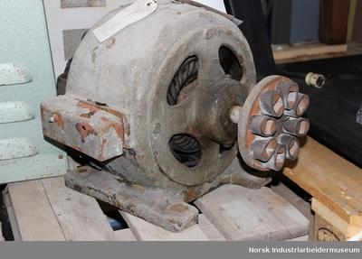 Likestrømmotor