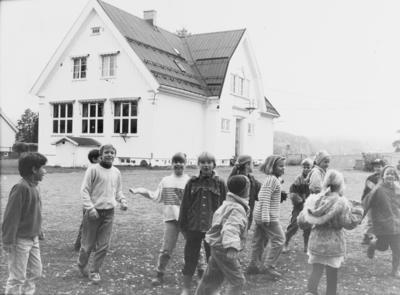 Holm skole før den ble lagt ned på slutten av 90-tallet (?)