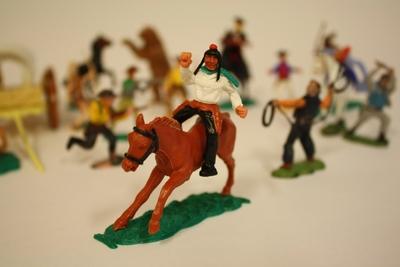 Indianer- og cowboyleketøy