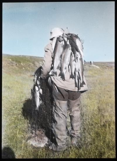 Fra foredragsrekken Landmålerlivet i Finnmark v/Axel Printz : Fisk fra Coarvosjavrre
