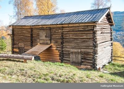 Låve fra Dortehaugen, husmannsplass under Sata, Ål Bygdamuseum, Leksvol