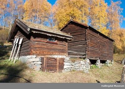 Fjøs fra Haugerud i Skattebøl på Ål Bygdamuseum, Leksvol