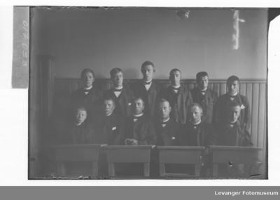 Elever på Røstad