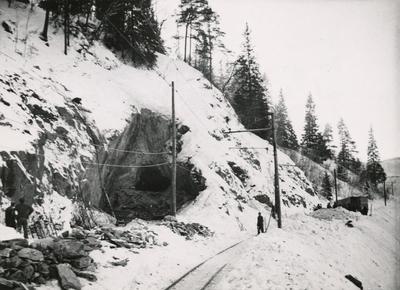 Arbeid med nordre tunnellinnslag i Klinglien på Thamshavnbanen