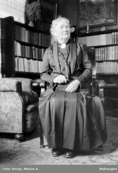 Fru Holst`s mor