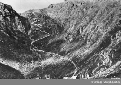 Stien opp fra Hornviken til Nordkapp-platået