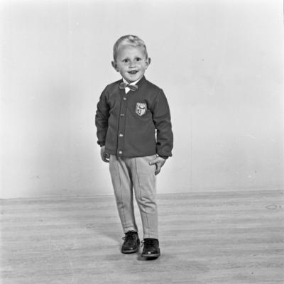 Portrett ung gutt - bestiller Synnøve Steinsbø