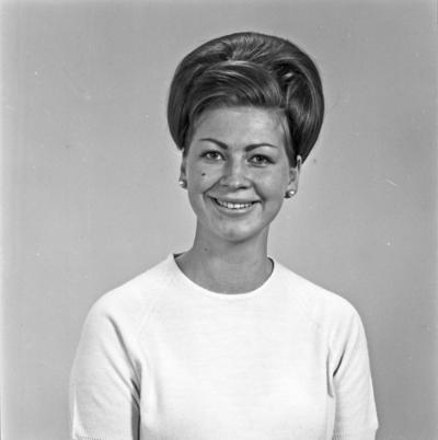 Portrett ung kvinne - bestiller Lita Koltveit