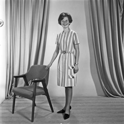Portrett ung kvinne - bestiller Laila Stakland
