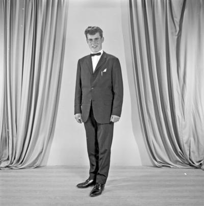 Portrett ung mann - bestiller Leif Seglem