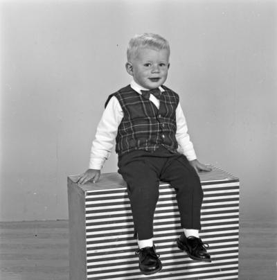 Portrett ung gutt - bestiller Olav Kvindesland