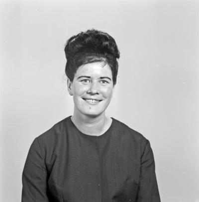 Portrett ung kvinne - bestiller Lillian Tvedt