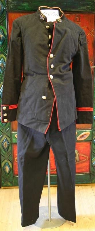 Uniformjakke og bukse