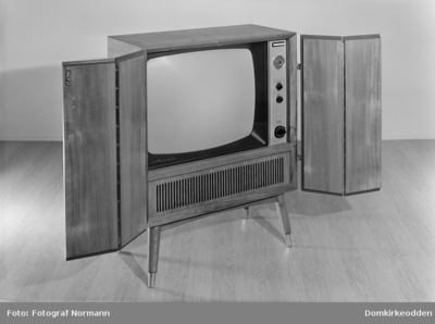 TV / FJERNSYNSAPPARAT