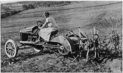 Solveig Kihle kjører potetopptaker