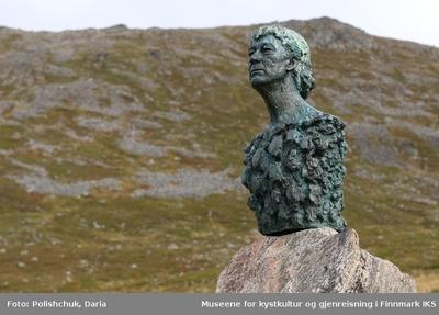 Byste av Knut Erik Jensen