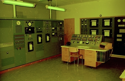 Utstillingsinteriør fra Norsk Teknisk Museum: Kontrollrommet til JEEP atomreaktor
