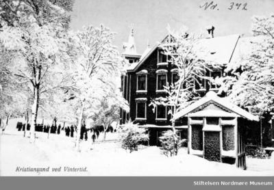 Nerparken etter snøfall på Kirkelandet i Kristiansund