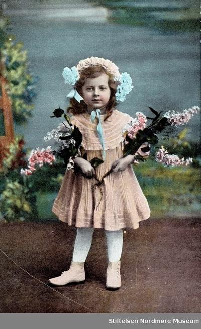 Portrett av en ukjent ung jente