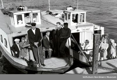Foto av Sundbåtene Presto (til venstre) og Fram (til høyre) som gikk i rute mellom
