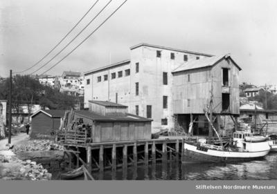 Fryseriet på Devoldholmen i Vågen på Kirklandet i Kristiansund