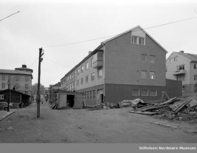 Sparebanken i Skolegata er gjenreist etter bombingen av Kristiansund i 1940
