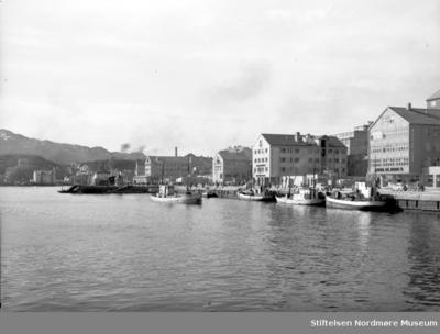 Foto fra kaia på Kirklandet i Kristiansund
