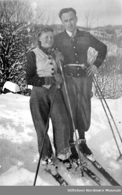 Ingeborg Sæter og Sigurd W Williamsen på skitur 1941