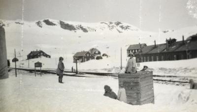 Fra Finse stasjon i mai 1924