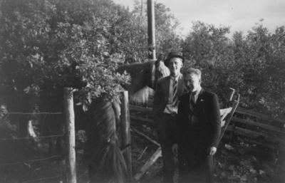 Idar Svartvand og Jonas Bergsrønning og to hester