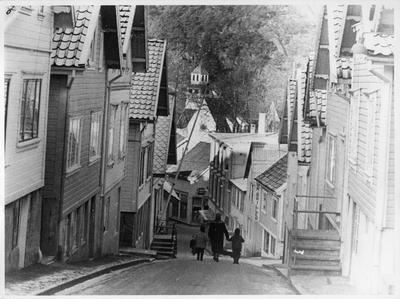 Kirkegaten i Egersund sett ovenfra mot Fotohuset og kirken