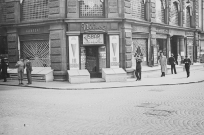 Nidarhjørnet i Karl Johans gate 45 i beskyttelsestilstand i mai 1940
