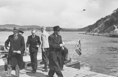I land på Gressholmen ved ambulanseflyets avgang til Nord-Norge