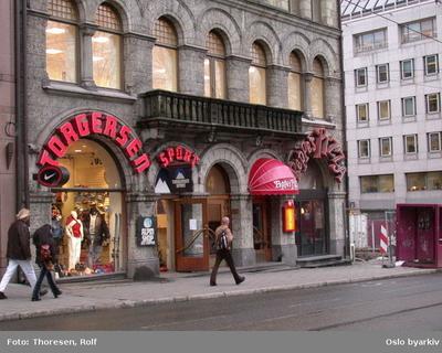 Sportsbutikken Torgersen Sport og restaurant Peppes pizza i Stortingsgata