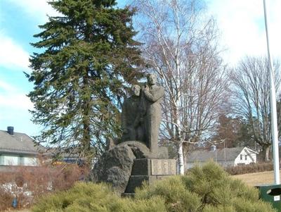 Skulptur over de falne fra Stokke