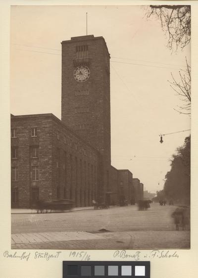 Hauptbahnhof Exteriör. Hauptbahnhof, Stuttgart. 1915/16.
