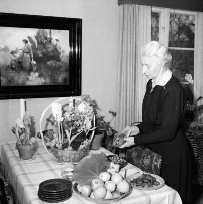 Fru Jenny Björkman. 1957