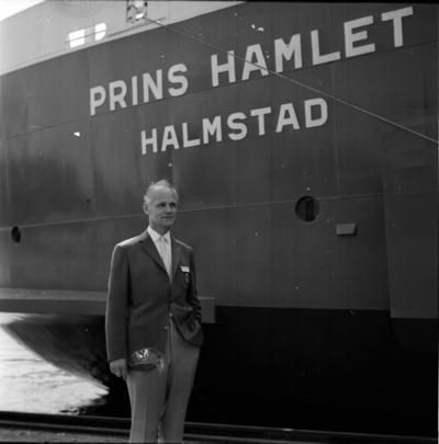 Man vid bilfärjan M/S Prins Hamlet. 18 Maj 1966