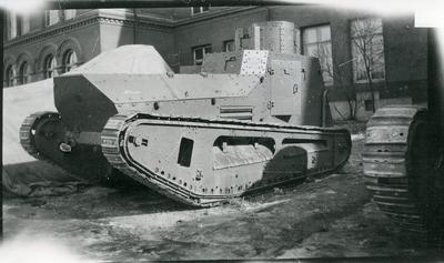 Stridsvagn m/1921, Göta Livgardes kaserngård.